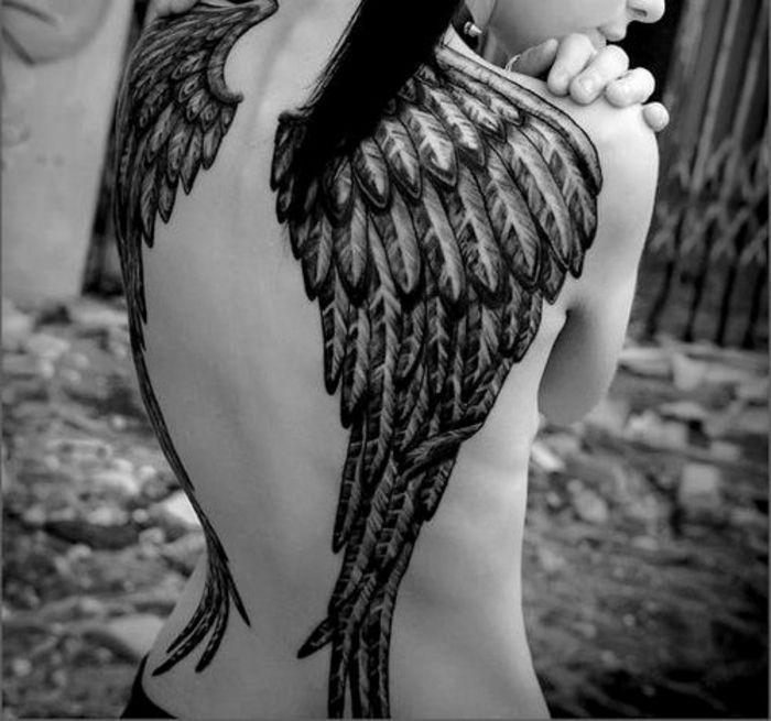die besten 25 engel fl gel tattoo ideen auf pinterest tattoo engelfl gel tatto engel und. Black Bedroom Furniture Sets. Home Design Ideas