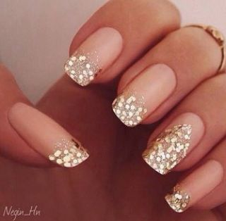 Cute #nails. Light pink with gold