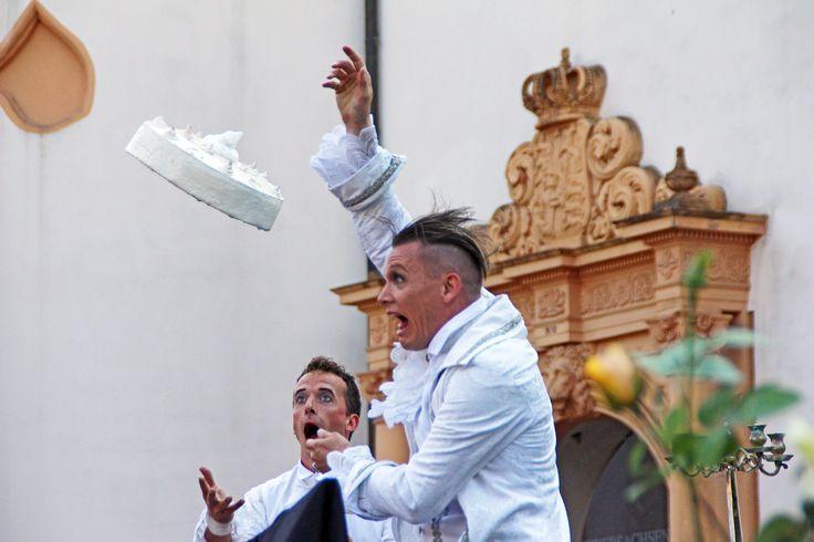 Vorsicht! Fliegende Torten!!