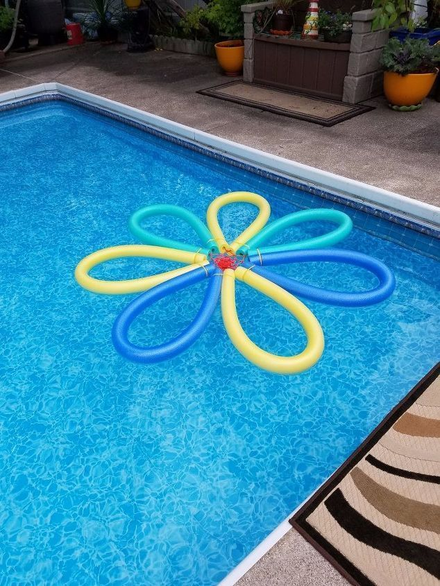 Get Ready For Summer With This Super Cool Diy Idea For Crafting Your Own Pool Noodle Flower Float Check Out The Tu Diy Pool Pool Noodles Solar Pool Heater Diy