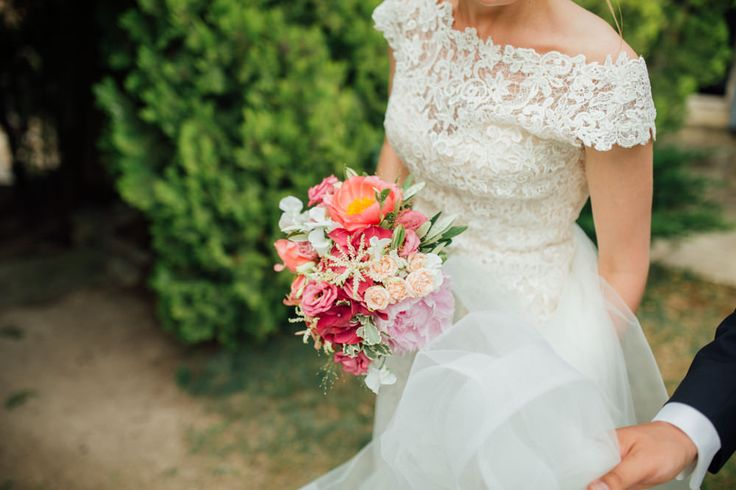 color wedding bouquet - ©Alex Tome Photography