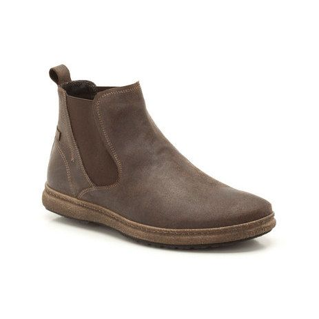 A laidback spin on the classic Chelsea Boot, these men's ankle boots are created in earthy brown nubuck with elastic gusset detailing. Handcrafted stitching and the simple rubber sole finish the casual look.