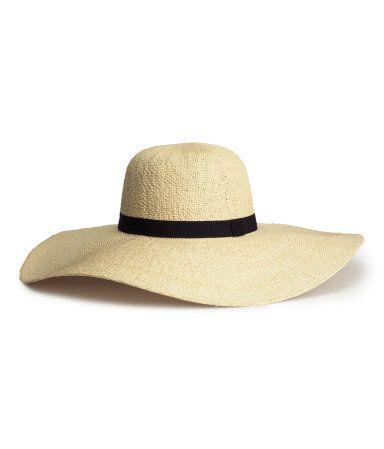 Strohhut mit Hutband aus Rips.