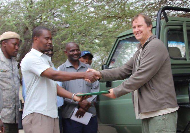 Yaşamını Afrika'da doğal yaşamın korunmasına adamış dostumuz Wayne Lotter Tanzanya'da Fildişi ticareti mafyası tarafından öldürüldü. Afrikada yaşanan fil katliamı onun çabaları sayesinde azalma eğilimindeydi. Kalbimizde yaşayacak. #ripwayne