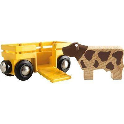 Brio Tierwagen mit Kuh 33406. Die Kuh hat einen eigenen Waggon, der leicht an jede Brio Lok angehängt werden kann. Hilf der Kuh an Bord, indem Du die Rampe herunterklappst.  http://www.briobahn.ch/brio-eisenbahn-tierwagen-mit-kuh-33406.html