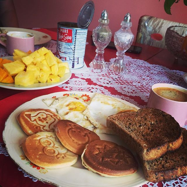 Animal pancake breakfast with The Rock animal pancake fry pan.  Love it!! #starfrit #therock #nonstick #pancakes #breakfast #cooking #food #frypan