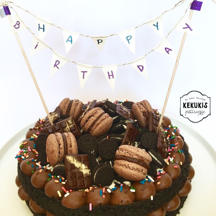 Candy birthday cakes, Dulce de leche and Birthday cakes on Pinterest