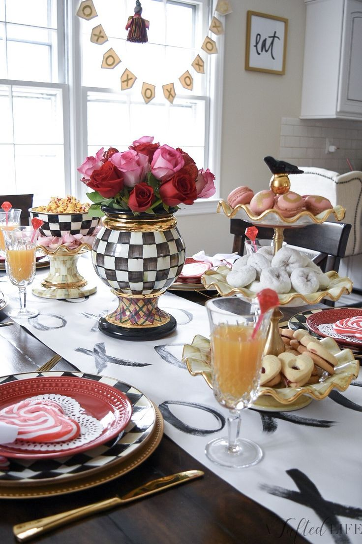 Create the Prettiest Valentines Day Brunch | A Tufted Life