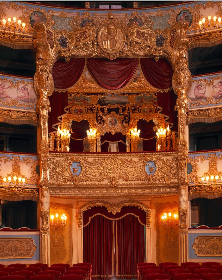 Teatro La Fenice, Venezia. Italy. The main acess to the house with the royal box (foto di Luciano)