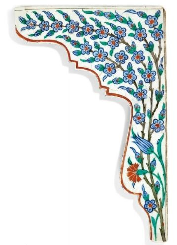 An Iznik pottery tile spandrel, Ottoman Turkey, circa 1575. || JMM: what about flower pattern in the diamonds/star?