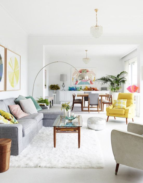 FUN Living Area ... Mixed with COLOR! FROM: Interior Obsessions: Everything But the Kitchen Sink. | Paper & Stitch | Bloglovin'