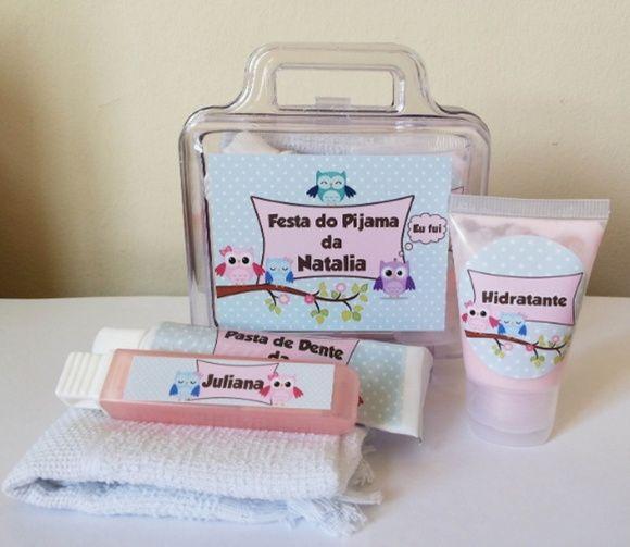 Disponível também em outros temas Contem:  Toalha bordada o nome da aniversariante; Creme Dental Escova Dental Hidratante e  Maleta acrílica R$ 159,00