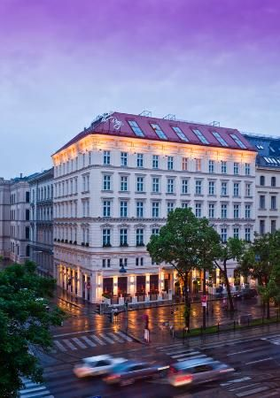 The Ring, Vienna's Casual Luxury Hotel. Perfect location in the heart of Vienna.