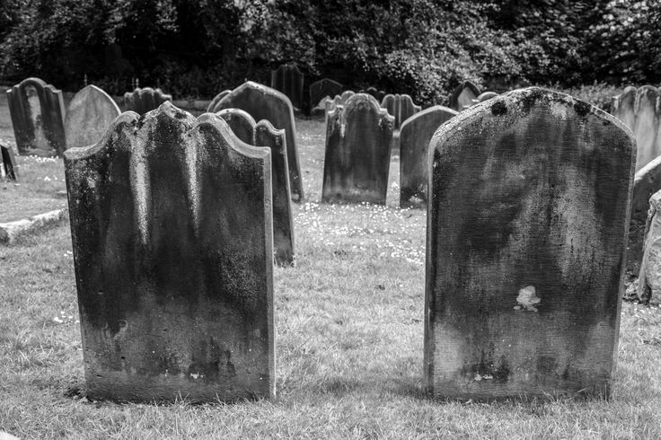 Ghost hunters unite for the most haunted cemeteries in Illinois. Strange happenings abound at these active, paranormal sites.