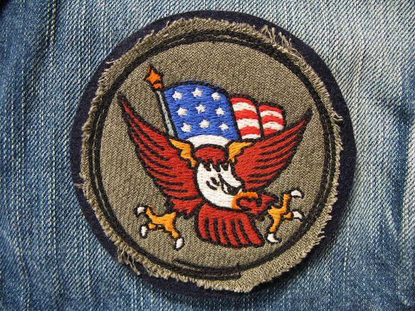 アメリカントラディショナルタトゥーのシンボルをリデザインし刺繍いたしました。 イーグルと星条旗がアメリカを感じさせるデザインです!!厚さがあり、しっかりとした... ハンドメイド、手作り、手仕事品の通販・販売・購入ならCreema。