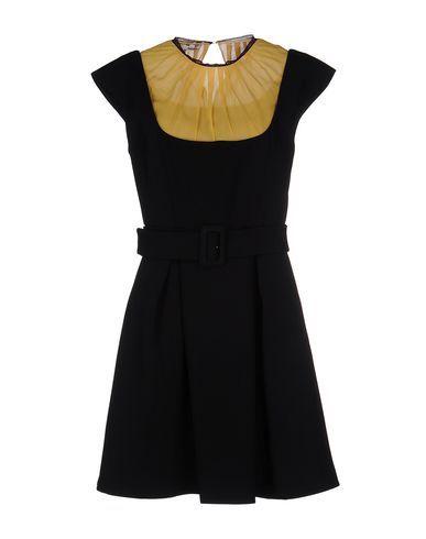 Miu Miu 458,00 euro Vestito Corto Uomo.  Acquista su YOOX: per te i migliori brand della moda e del design, consegna in 48h e pagamento sicuro.