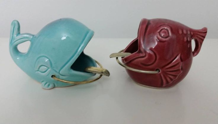 """""""Vintage Ceramic Wide Open Mouth Fish and whale Ashtray - Movable Metal Wire Ashtray - Vintage 1950s Dont need to smoke to enjoy these vintage figurines…"""""""