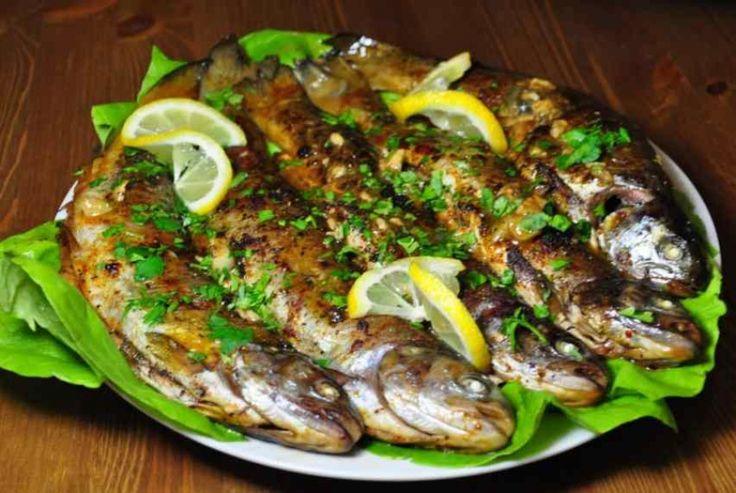 Запеченная форель в маринаде. Рыба форель запеченная в духовке