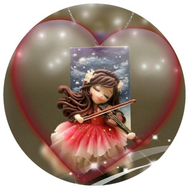 Playing violin-pendant clay
