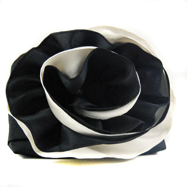 BLACK DOUBLE ROSE