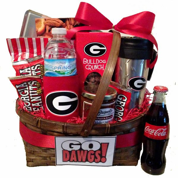 671 best georgia football go dawgs images on pinterest for Georgia bulldog bedroom ideas