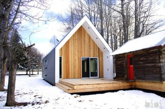 Crisp Warburg House Sets the Bar for Super Energy-Efficiency in Canada