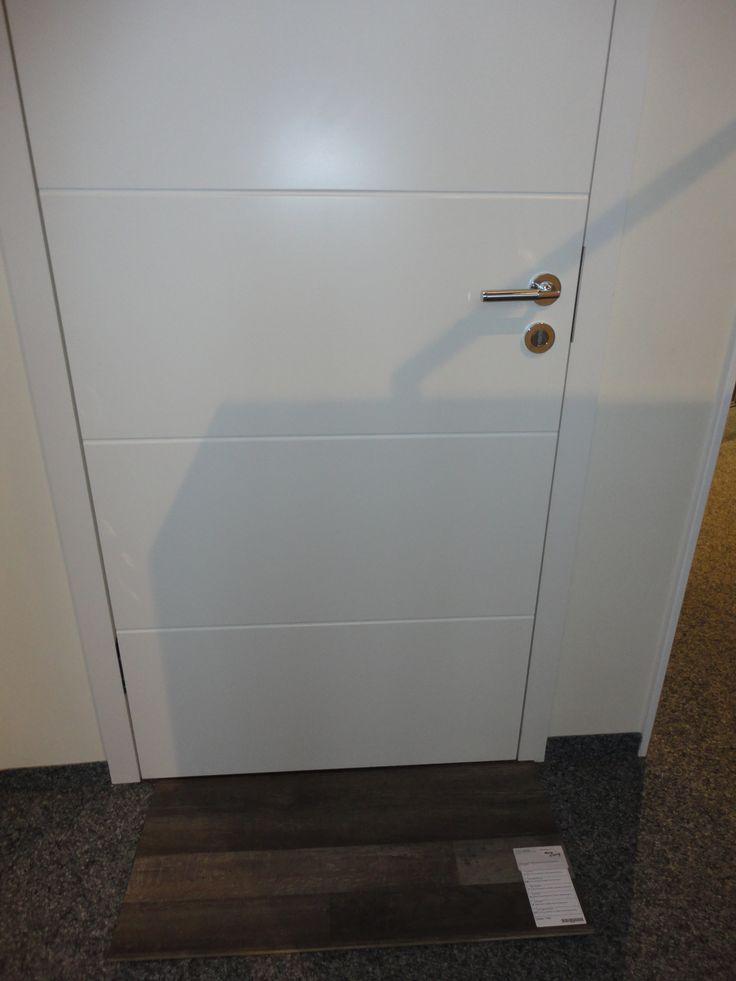 weiße innentür mit querlinien ...love it