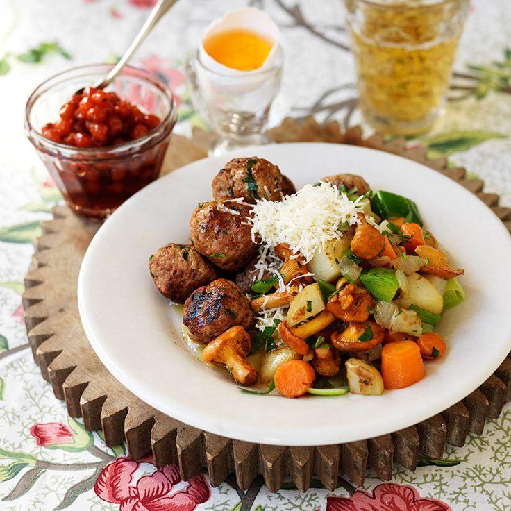 Viltfärsbullar med kantarellpytt – en middag med smak av skog!