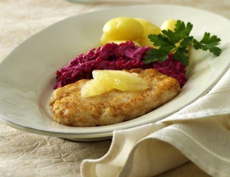 Fiskekrebinetter med rødbede og kartofler