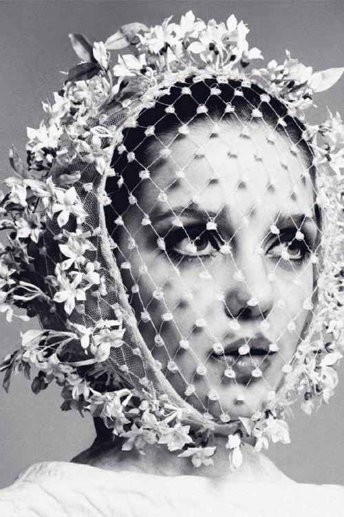 Donna Mitchell by Richard Avedon (featured inHarper's Bazaar Spain July/August 2014).