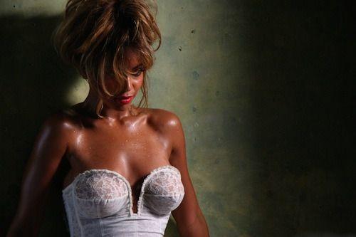 Beyonce - 'Deja Vu'