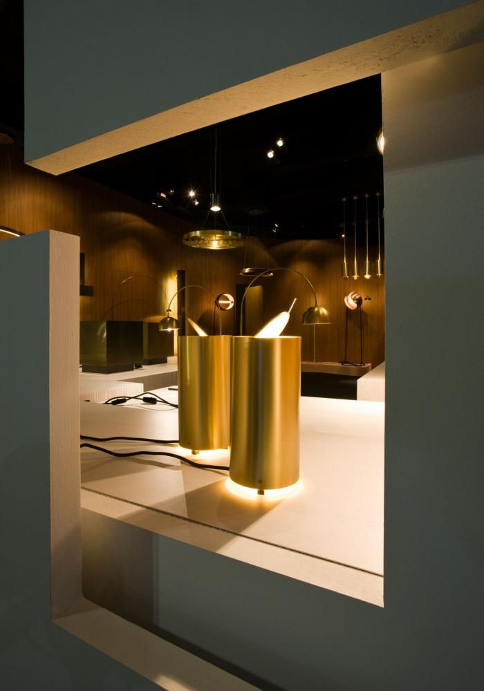 Tubo Tavolo by Mickael Fabris | Laurameroni  Table Lamp MF35 with structure in satin brass and adjustable upper disc. MF 35 is a lamp designed to be placed in both houses and office. The adjustable upper disc permits to direct the light in a specific direction and to change its intensity according to the client's needs.