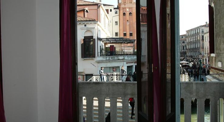 US$43 Centrally location in Venice, Veniceluxury is a 15-minute walk from Venezia Santa Lucia Train Station.