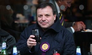 UKIP donatore Arron Banche
