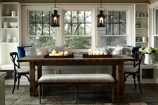Love the built in shelves and window seat that double as the breakfast nook seat. Great lantern lighting too!!!