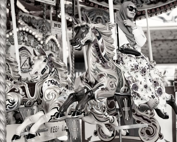 Carousel - Hahnemühle Photo Rag Ultra Smooth (Edition 25) - 40 x 50 cm print on 46 x 56 cm sheet.