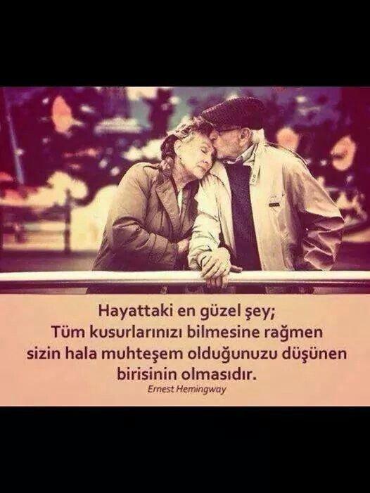 ♡ Hayattaki en güzel şey; tüm kusurlarınızı bilmesine rağmen, sizin hala muhteşem olduğunuzu düşünen birisinin olmasıdır sözler Hemingway