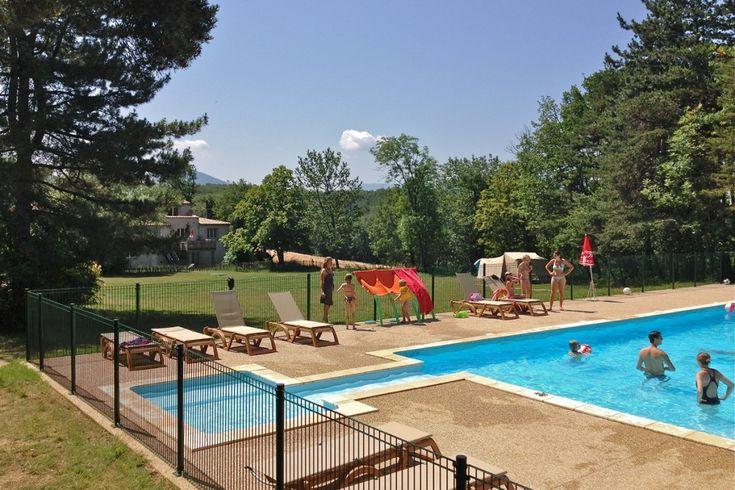 Zwembad op de camping in de Drome, zuid frankrjk