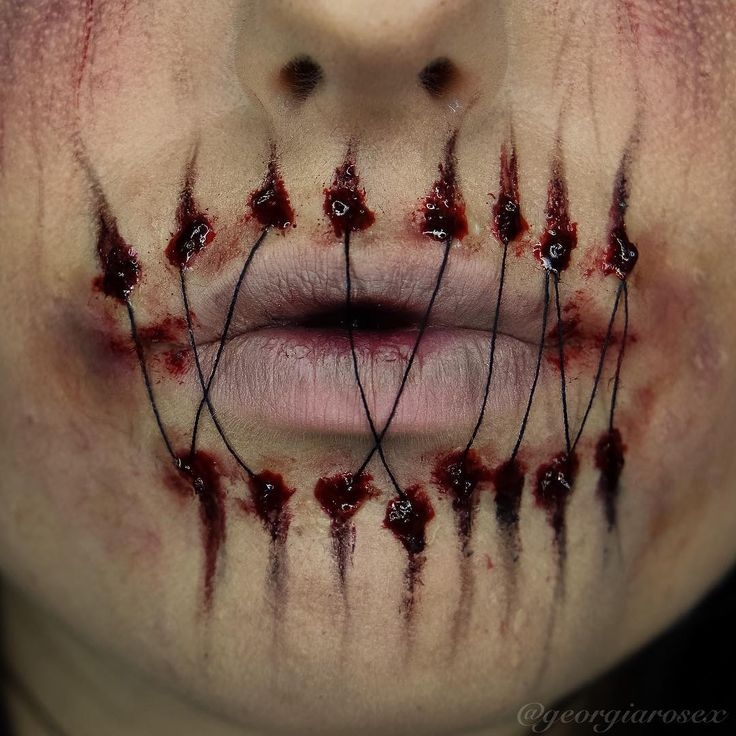Super Creepy Halloween Lip Art/Costume by very talented MUA GEORGIA ROSE DEVINE♡♥♡♥♡♥ #makeup #Halloween #Instagram