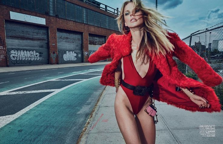 Anne Vyalitsyna @AnneV by An Le www.anlestudio.com for Vogue Portugal @vogueportugal October 2016 #composition #motion