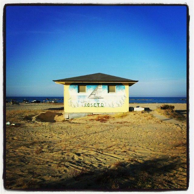 On the beach - Samsung Galaxy II - Instagram