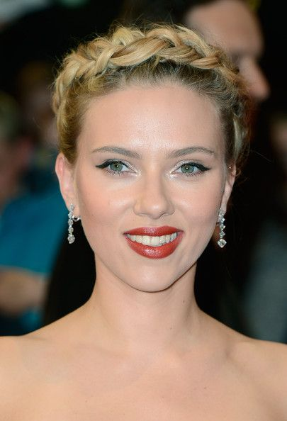 Scarlett Johansson Braided UpdoMilkmaid Braid, Braids Hairstyles, Scarlett Johansson, Braids Updo, Makeup, Beautiful, Scarlettjohansson, Hair Style, Halo Braids