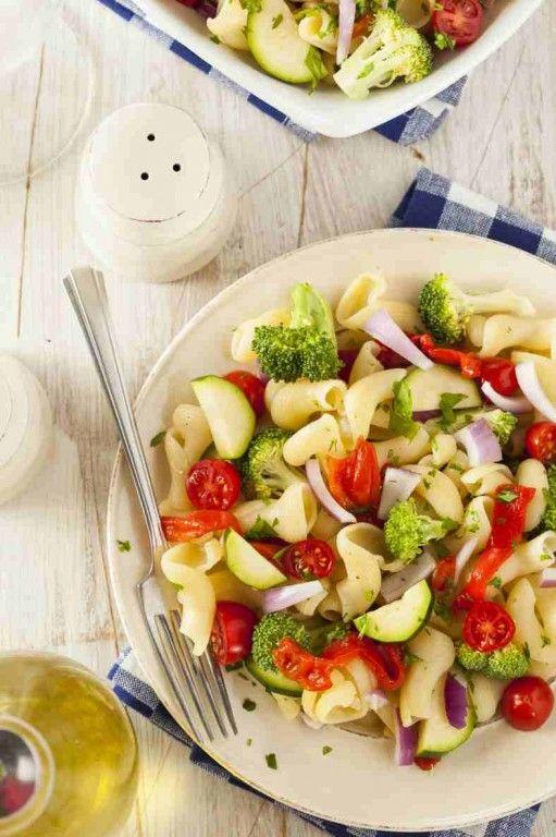 sałatka z lekkich warzyw.