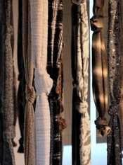 A Prato il tessuto diventa arte. Dall'11 marzo al 9 settembre al Museo del Tessuto l'esposizione con 200 campioni di filati, in un percorso onirico e creativo.