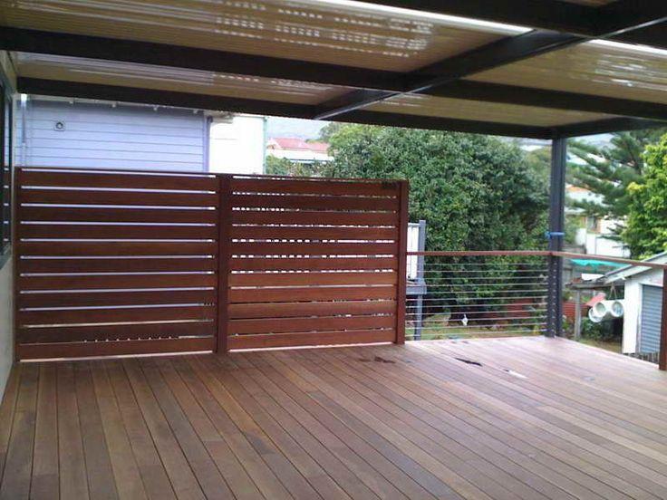Deck privacy ideas woodenn deck outdoor privacy screen for Wooden privacy screen ideas
