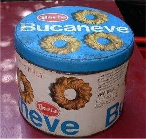 BUCANEVE, i biscotti con il buco