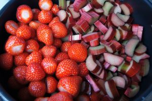 Rabarbra- og Jordbærsyltetøy-1