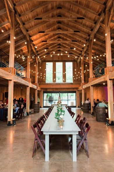 If you're planning a farm wedding or country wedding theme, a barn wedding venue is a no-brainer. If you're getting married in Tennessee, these are the best barn wedding venues in Nashville to host your rustic wedding ceremony or reception. | Green Door Gourmet