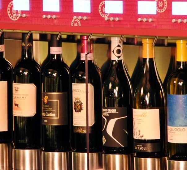 Perchè ai ristoratori conviene investire su dispenser vino WineEmotion: http://idssermide.com/dispenser-vino-wineemotion-ristoranti/ #DispenserVino #WineEmotion #DispenserVinoRistoranti