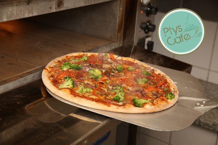 Mmm, pizza prosto z pieca :3